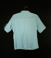 Camisa femenina. Espalda